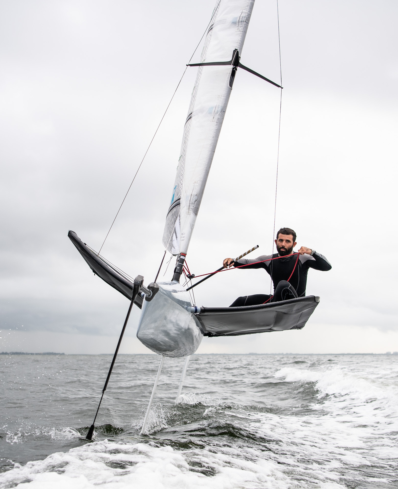 Will_Graham_Victor_De_Leon_Moth_Sailing-14